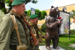 Otwarcie pomnika niedźwiedzia